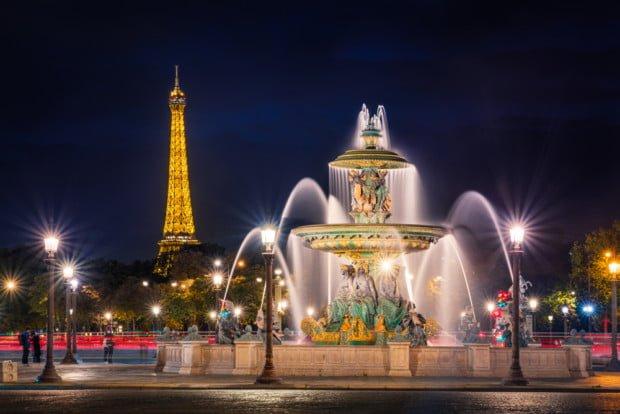 eiffel-tower-paris-france-place-de-la-concorde-fountain-river-commerce-bricker