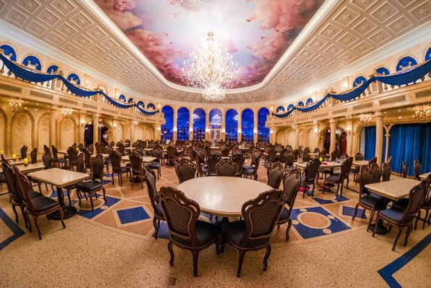 empty-ballroom-be-our-guest-restaurant-magic-kingdom-disney-world
