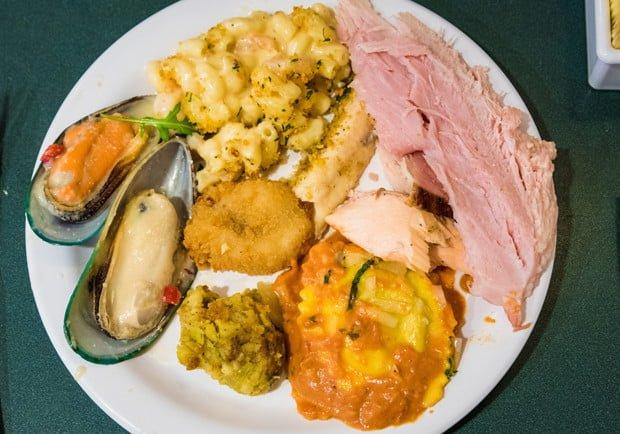 minnies-holiday-dine-hollywood-vine-character-meal-walt-disney-world-003