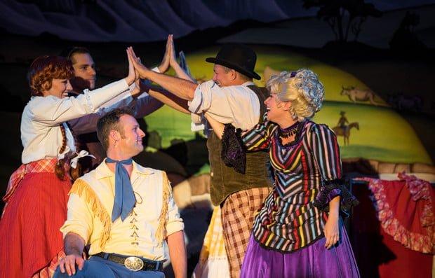 hoop-dee-doo-musical-revue-fort-wilderness-disney-world-dining-389
