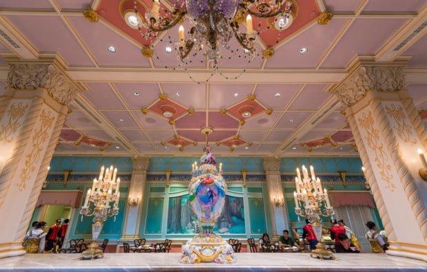 royal-banquet-hall-shanghai-disneyland-restaurant-china-049