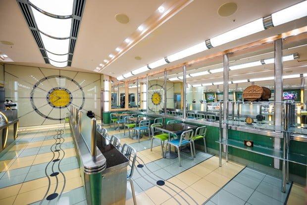 tick-tock-diner-disneys-ambassador-hotel-tokyo-disney-resort-296