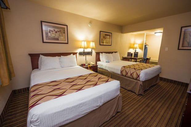 grand-legacy-park-anaheim-disneyland-hotel-010