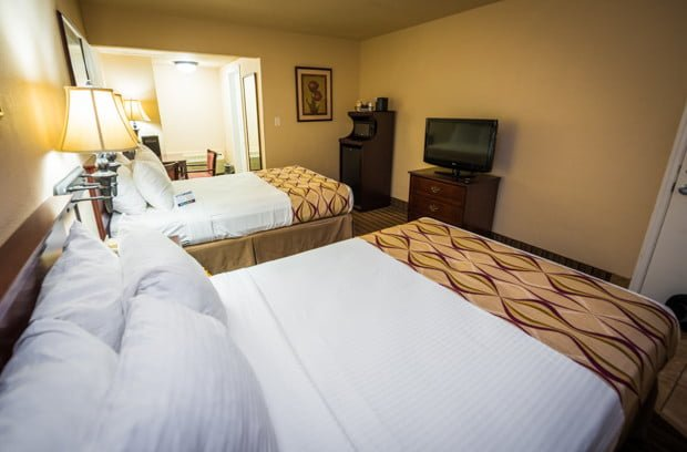 grand-legacy-park-anaheim-disneyland-hotel-013