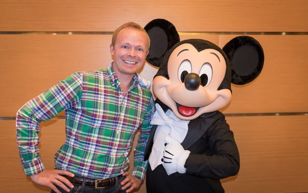disney world character meet and greet tips certification