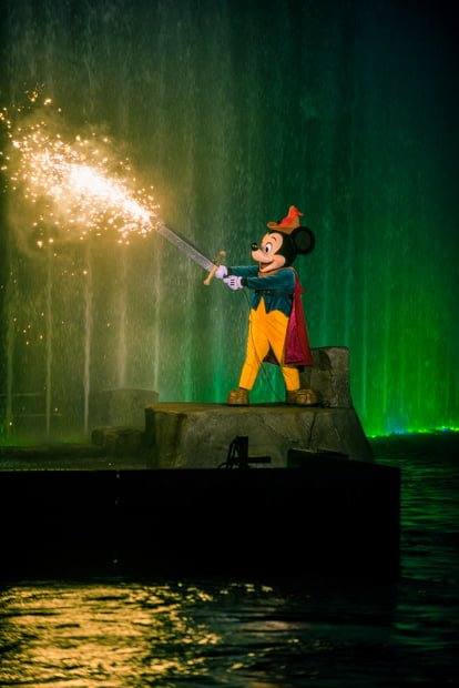 Best Fantasmic Viewing Spots Tips Amp Tricks Disney